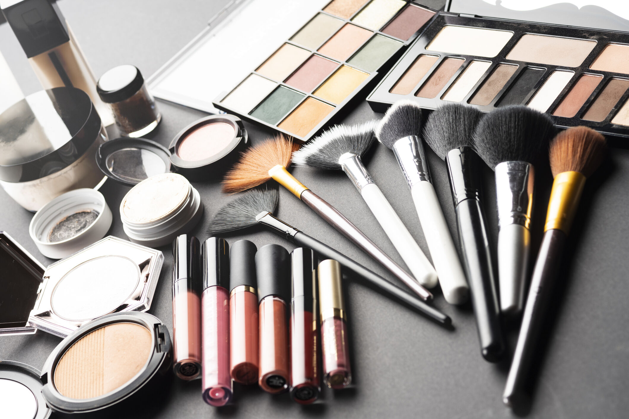 A Guide To Makeup Brushes - Tips For Makeup - Beauty & Fashion Zone